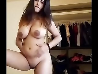 Indian downcast skirt shows her beautiful gut And pussy in cam